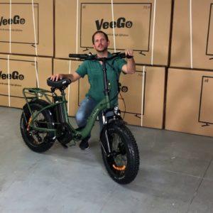 Folding the VeeGo Fat Tire Electric Bike